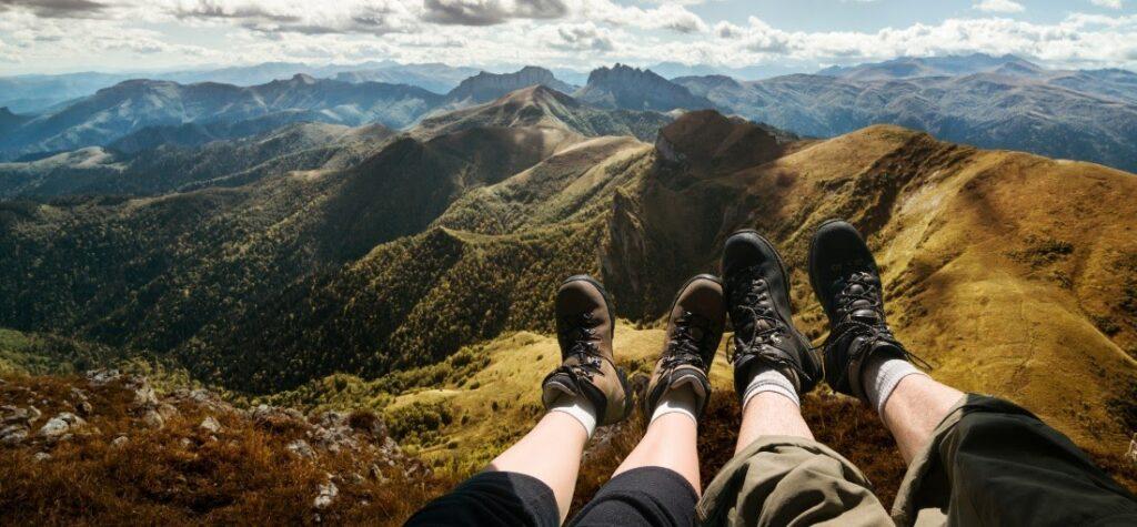 Какви видове туристически сандали има
