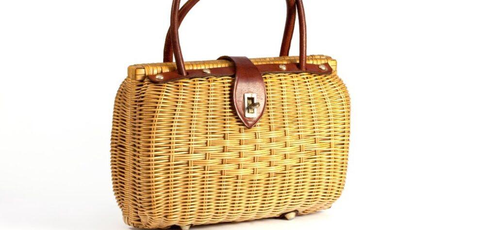 Как да носим модерните чанти кошници